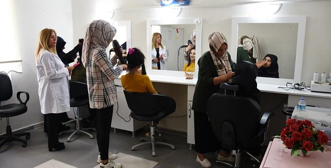 Hilvan Belediyesi Bayanları Meslek Sahibi Yapıyor