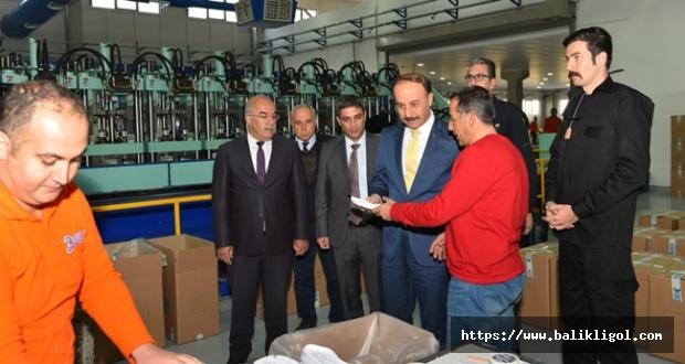 OSB'de Fabrikaları Dolaşan Vali Erin Yatırımcıları Tebrik Etti