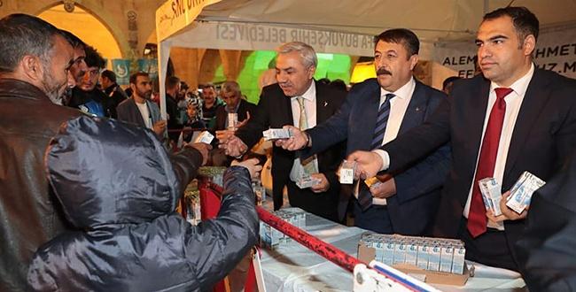 Şanlıurfa'da Mevlid Kandilinde süt dağıtıldı