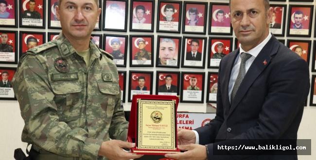 Şehit Aileler Dernek Başkanı Yavuz'a Plaket Verildi