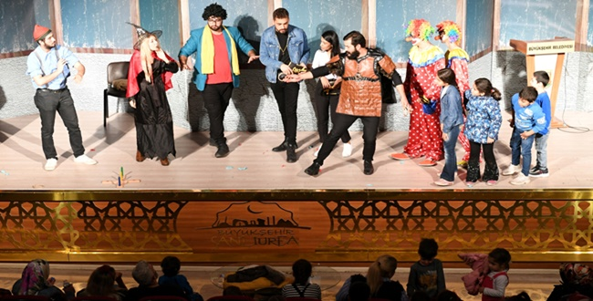 Urfa'da Çocuk Tiyatrosu: Arkadaşım Olur musun