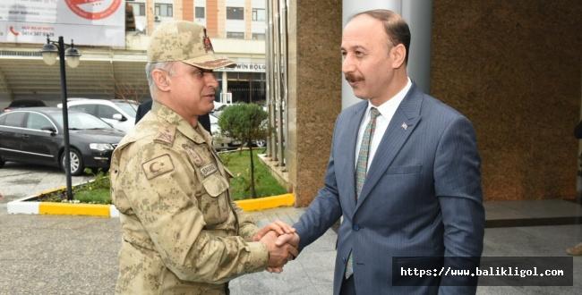 Diyarbakır Jandarma Bölge Komutanı Tümgeneral Mustafa Başoğlu Şanlıurfa'da