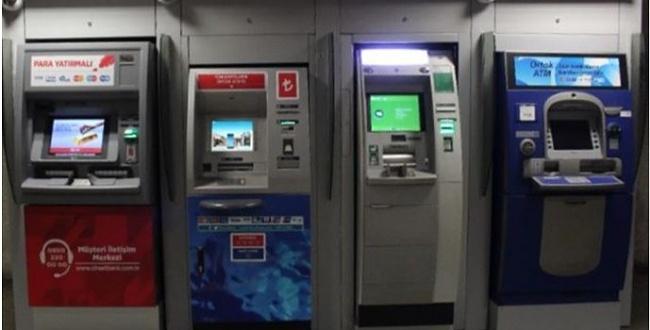 Hırsızlar ATM'lere zarar verdi