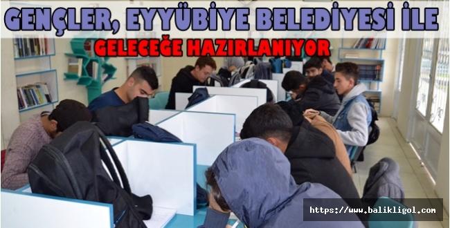 TYT ve AYT Sınavına Hazırlanan Eyyübiyeli Gençlere Belediye Sahip Çıkıyor
