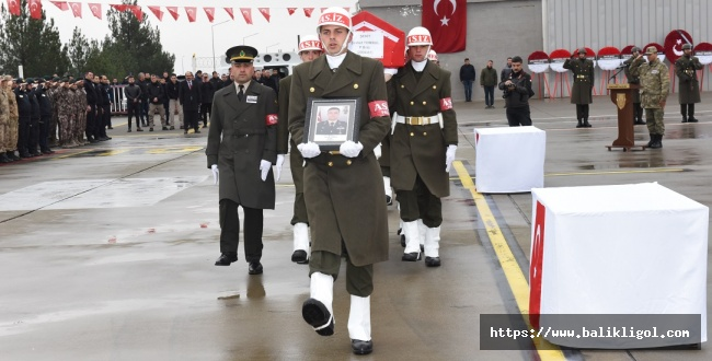 Şehit Binbaşı Şevket Tombul'un Naaşı Memleketine Uğurlandı