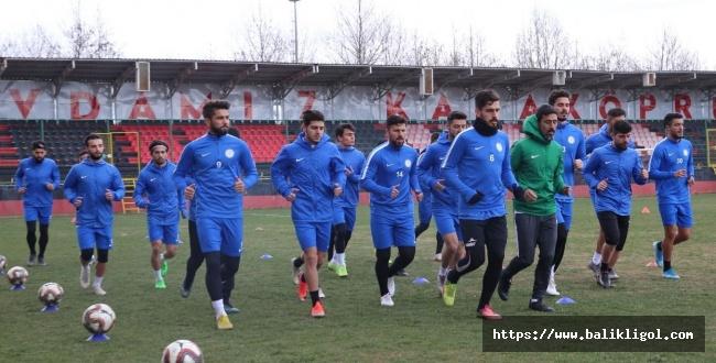 Karaköprü Belediyespor Antrenmanlarına Moralli Başladı