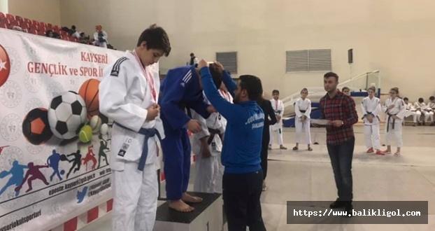Urfalı Judocular Kayseri'deki Müsabakalarda 5 Madalya Aldı
