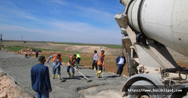 Büyükşehir Köy Yollarını Betona Dönüştürüyor