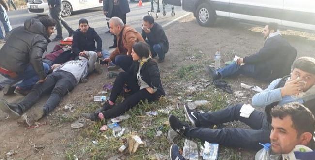 Şanlıurfa'da İşçi Servisi Kaza Yaptı: 18 Yaralı