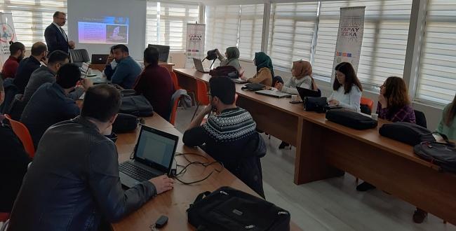 Urfa'da Yapay Zekâ Öğretmen Eğitimi Başladı