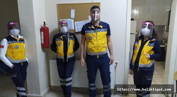 Gençlik Merkezleri Siperlik Maske Üretiyor
