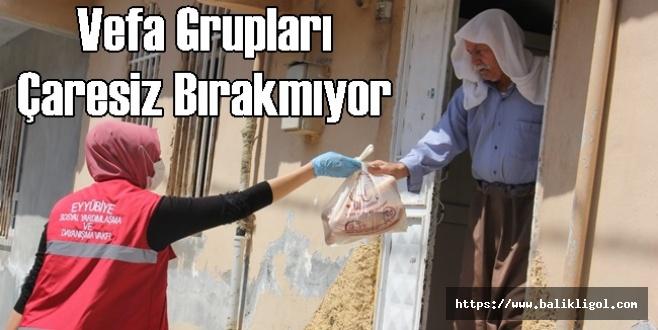 Urfa'da Kapı Kapı Ekmek Dağıttılar