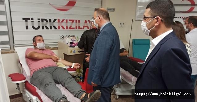 Harran Tıp Hastanesi Çalışanlarından Kızılay'a Kan Bağışı