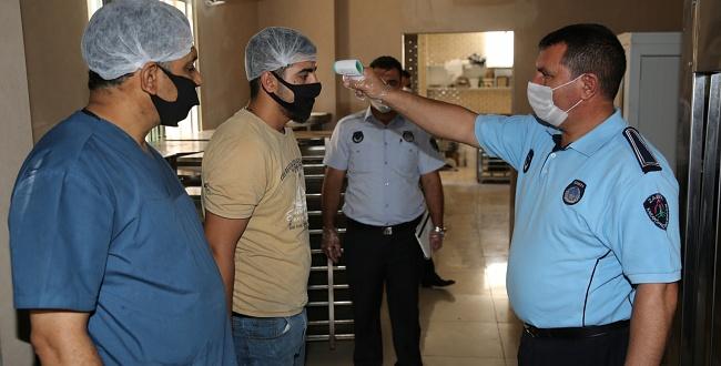 Urfa'da Zabıtalar Koronavirüs İçin Tedbiri Elden Bırakmıyor