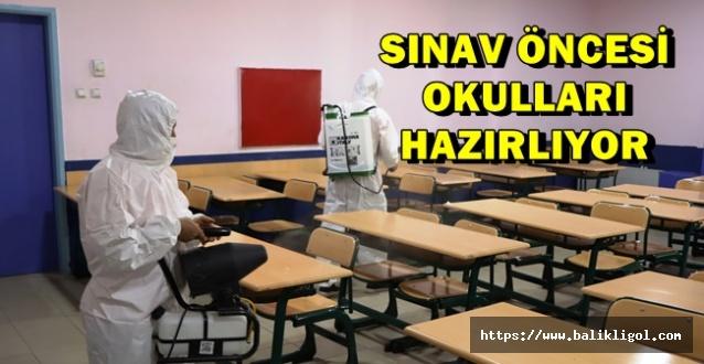Urfa'da YKS Sınavı Öncesi Okullar Dezenfekte Ediliyor