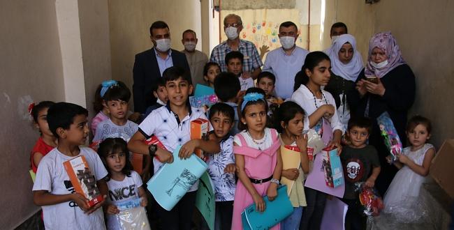 Urfa'da Yetim Çocukları Sevindirdiler..