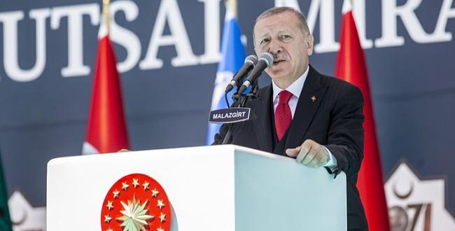 Erdoğan, Malazgirt'te zaferin 949'uncu yıl dönümü etkinliklerine katıldı
