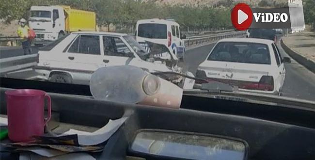 Akabe TOKİ'de kaza: Araç bariyerlere çarptı