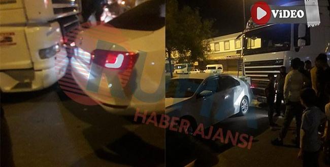 Eyyubiye'de tır otomobile çarptı