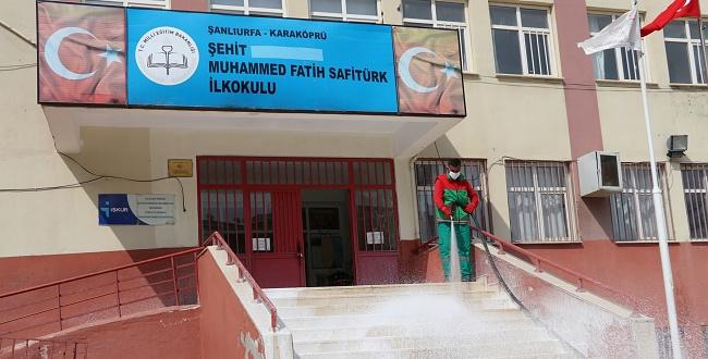 Karaköprü'de Okullar Açılışa Hazırlanıyor! Belediye Dezenfekte Çalışması Başlattı