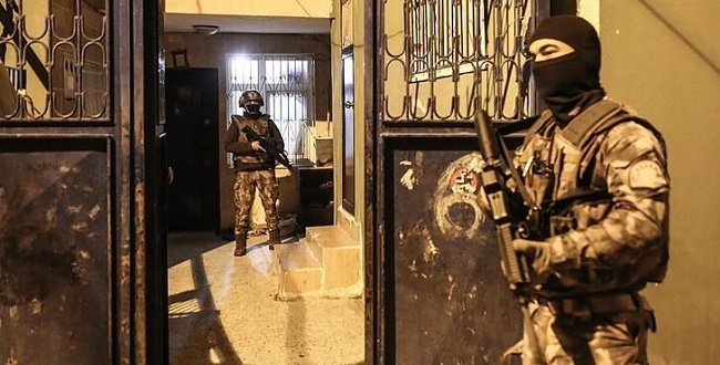Viranşehir'de silah kaçakçılarına operasyon: 2 gözaltı