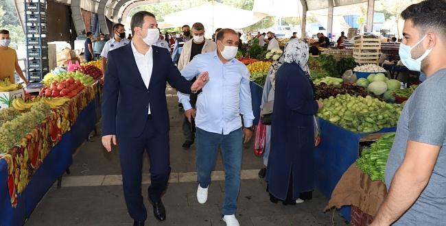 Karaköprü Belediye Başkanı Baydilli pazar esnafını ziyaret etti