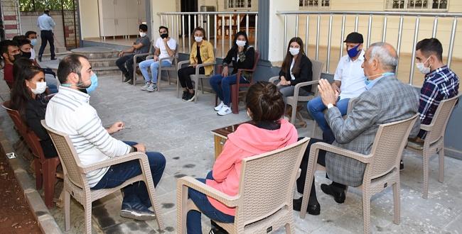 Üniversite öğrencilerinden Başkan Bayık'a teşekkür ziyareti