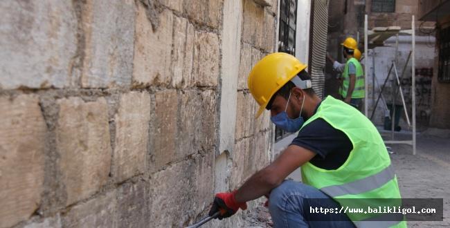 Urfa Büyükşehir Belediye Ekipleri Sokak Sokak Çalışıyor