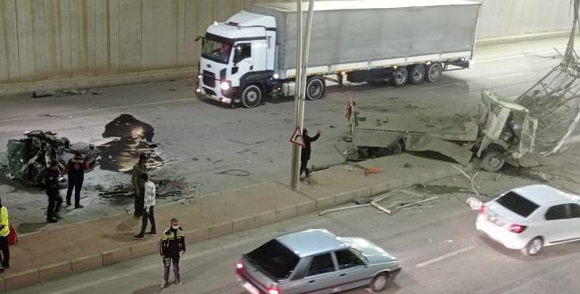 Araç, köprüden alt yola savruldu: 5 yaralı