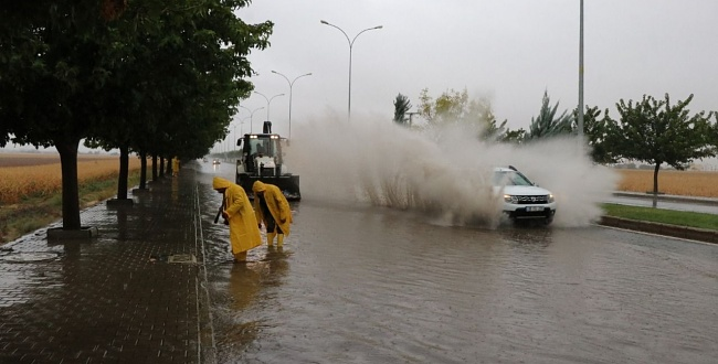 ŞUSKİ'de Sağanak Yağışta Ful Mesai Yaptı