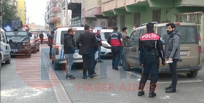 Eyyübiye'de ev sahibi kiracı kavgasında: 2 polis yaralandı