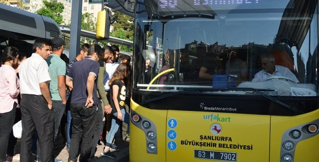 Sağlık çalışanlarının ücretsiz toplu taşıma kullanma süresi uzatıldı