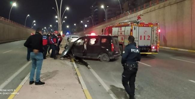 Şanlıurfa'da araç köprüden aşağı uçtu: 1kişi yaralandı