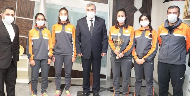 Urfa Atletizm Kız Takımı bölge birincisi oldu