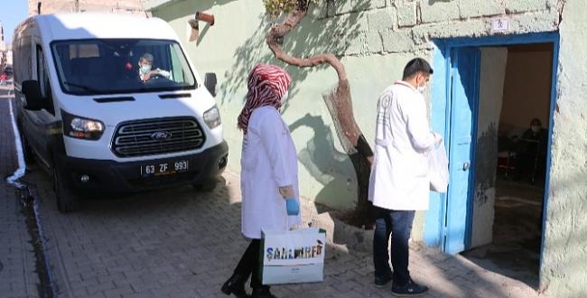 Urfa Büyükşehir'den 65 Yaş Üstü Bakıma Muhtaçlara Yemek Desteği