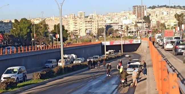 Abide Kavşağında zincirleme trafik kazası, trafik adeta durdu