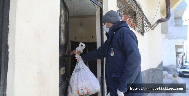 Şanlıurfa Büyükşehir, Kısıtlamada Yardımlarını Sürdürüyor