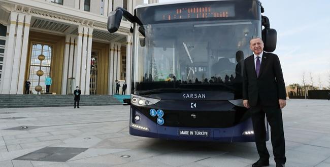 Türkiye'nin elektrikli sürücüsüz otobüsü yollara çıktı