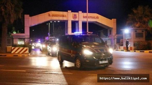 Türkiye sabah bu operasyonla uyandı!  52 ilde FETÖ operasyonu