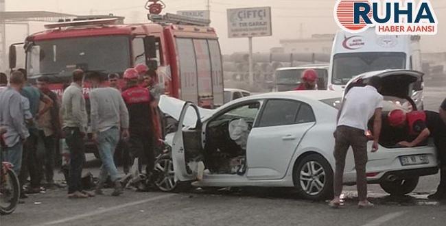 Eyyübiye'de trafik kazası: Araçlar hurdaya döndü