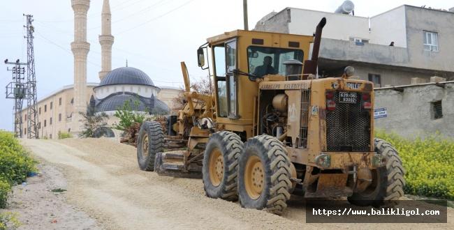 Karaköprü Mehmetçik'te Köy İçi Yollar Yapılıyor