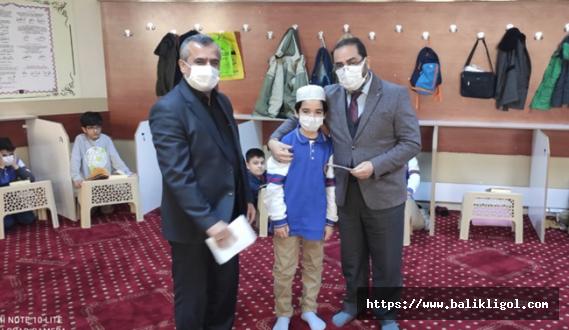 Kuran Okuma Yarışmasında Dereceye Giren Erbakan İHL Ortaokulu Öğrencilerine Ödül Verildi