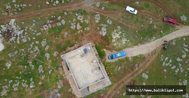 Urfa'da Jandarma Üçkuyu Köyüne Operasyon Düzenledi! Toprağa gömülü mühimmat yakalandı