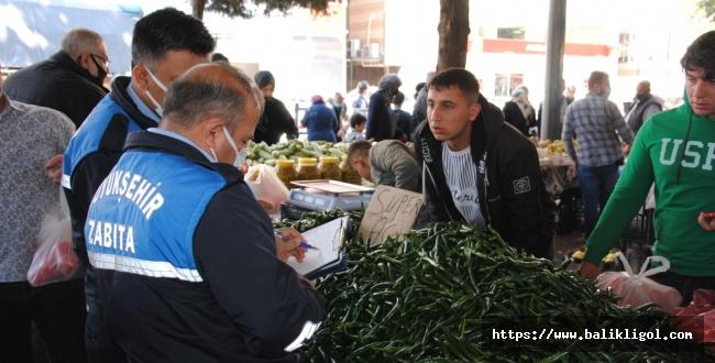 Urfa'da Zabıta Ekipleri Semt Pazarlarında Fiyat Denetimi Yaptı