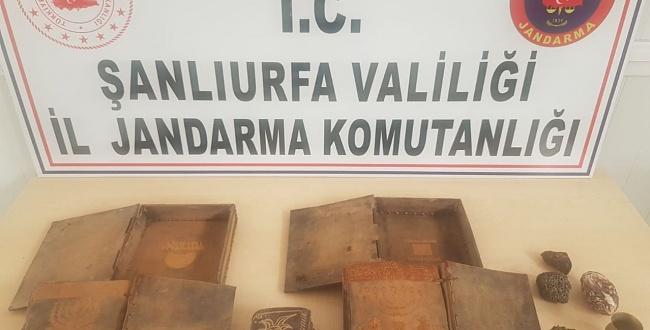 Urfa'da JASAT Dedektifleri Tarihi eserler ele geçirdi