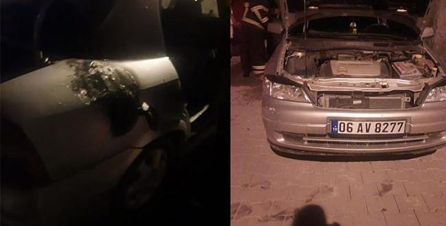 Urfa'da park halindeki araç yandı