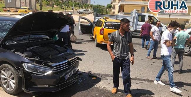 Karaköprü'de trafik kazası: 3 kişi yaralandı