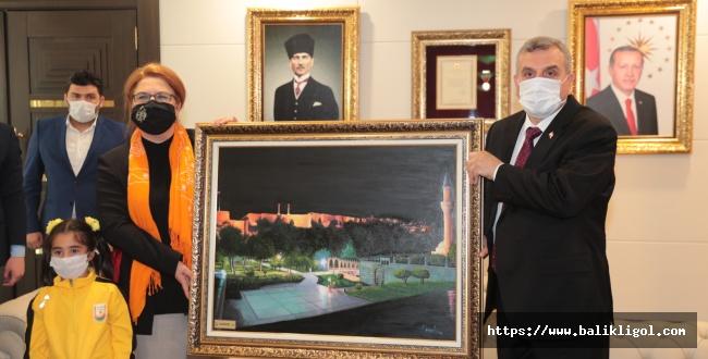 Başkan Beyazgül Aile Bakanı Derya Yanık'a Balıklıgöl Tablosu Hediye Etti