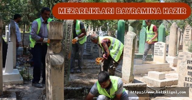 Urfa'da mezarlıkların bakım ve temizliği yapıldı