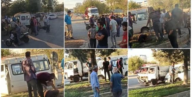 Kamyonet ile minibüs çarpıştı: 2 kişi Yaralı